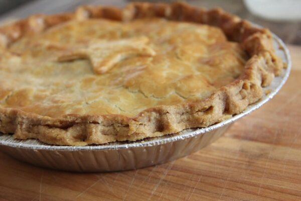 devour_pie_wood_background_crust