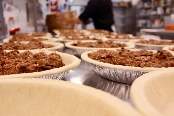 devour_pie_making_steak_and_stout